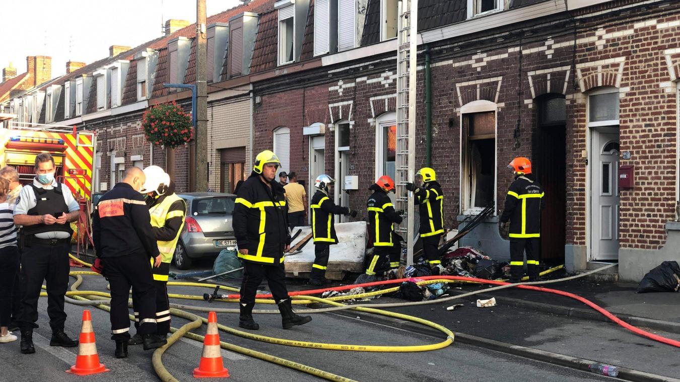 Sailly-sur-la-Lys: un incendie ravage une maison, pas de blessé (vidéo)