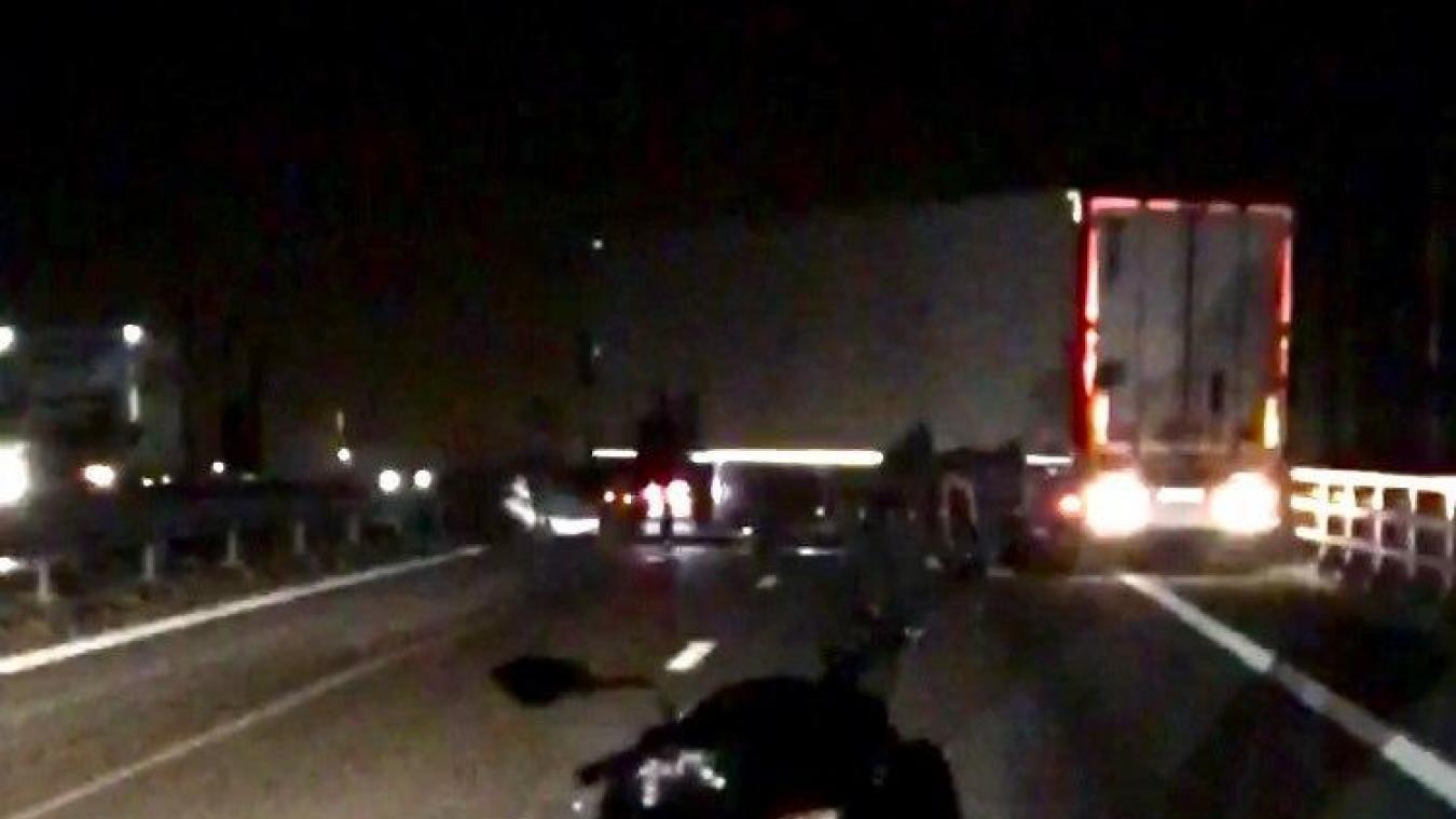 La circulation a été coupée durant trois heures après un accident sur l'A16, ce dimanche 20 septembre.