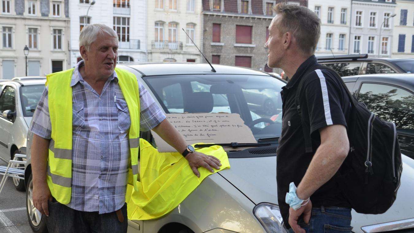 Daniel Delattre, le jour où il a entamé sa grève de la faim devant le tribunal de Boulogne-sur-Mer, déjà à jeun de 24h assurait-il.