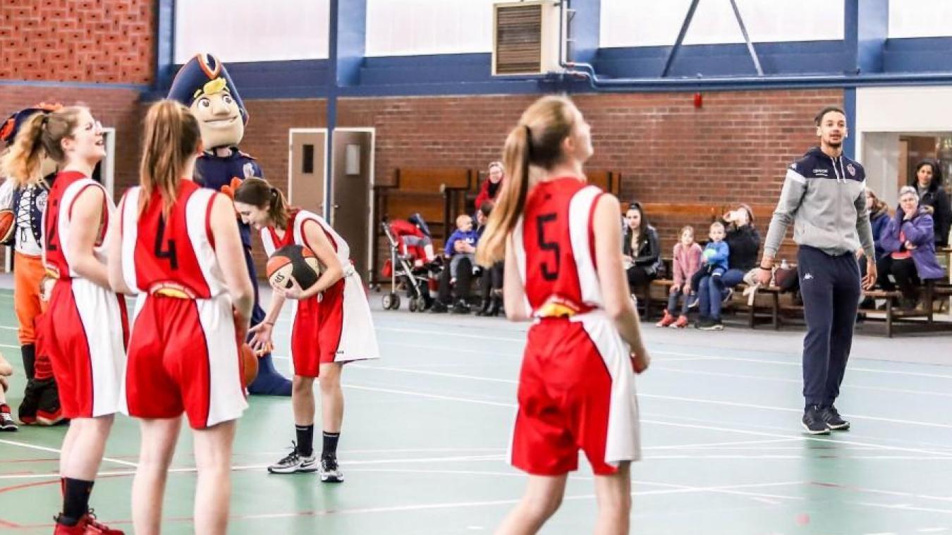 Pour bénéficier de cette première licence sportive gratuite, il faut avoir entre 3 et 17 ans et n'avoir jamais pratiqué de sport précédemment.
