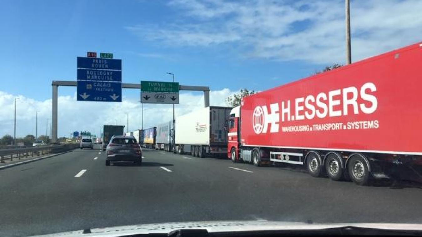 Calais: plusieurs kilomètres de bouchons sur l'A16