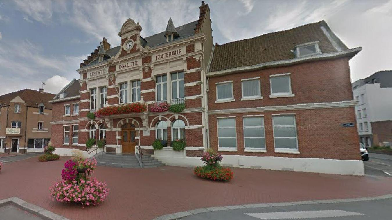 Ce vendredi 25 septembre, dans la matinée, le maire a pris la décision de fermer l'hôtel de ville en raison de cas Covid testés.