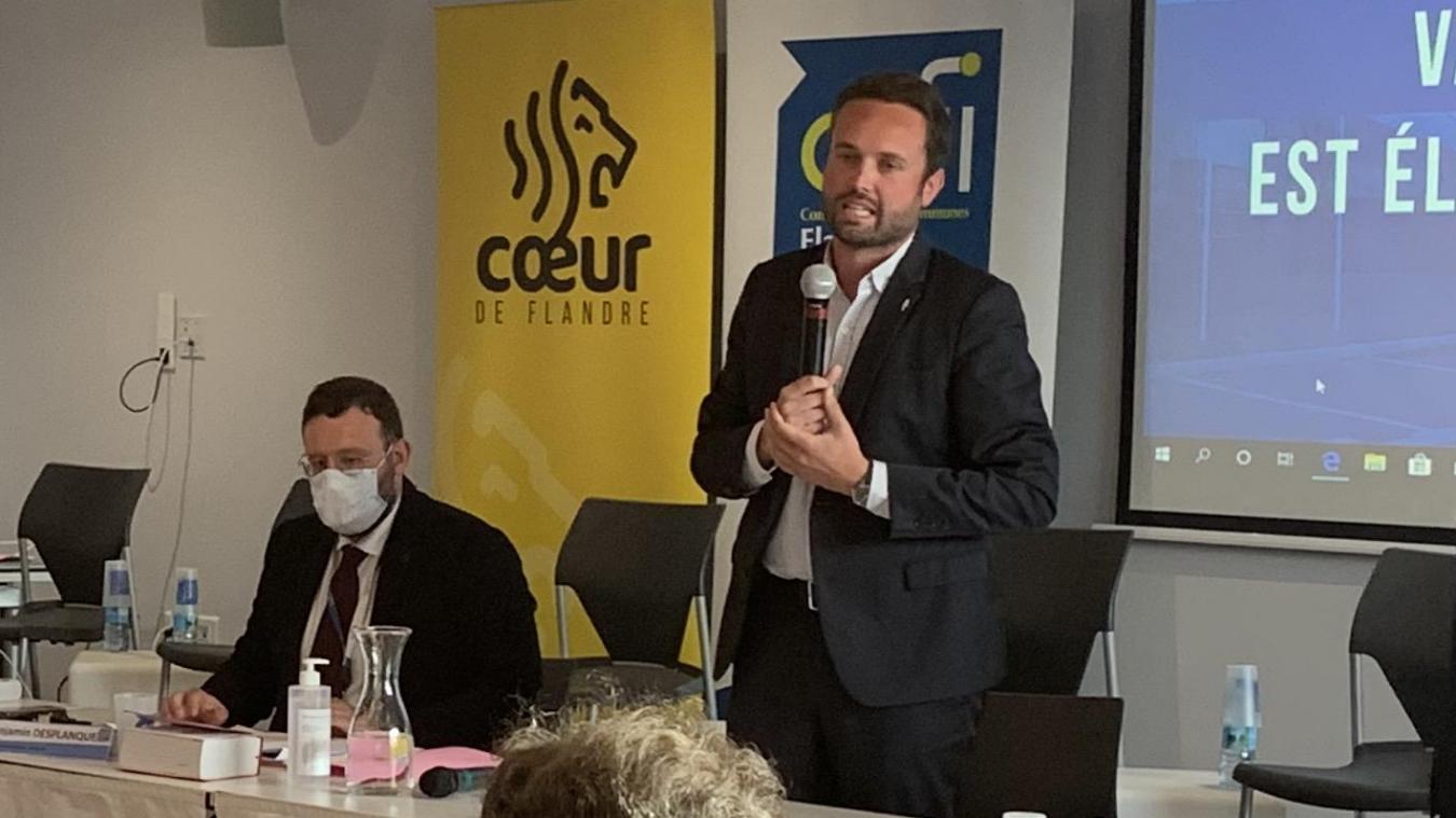 Benjamin Desplanque (masqué) a fait office de DGS par intérim en CCFI.