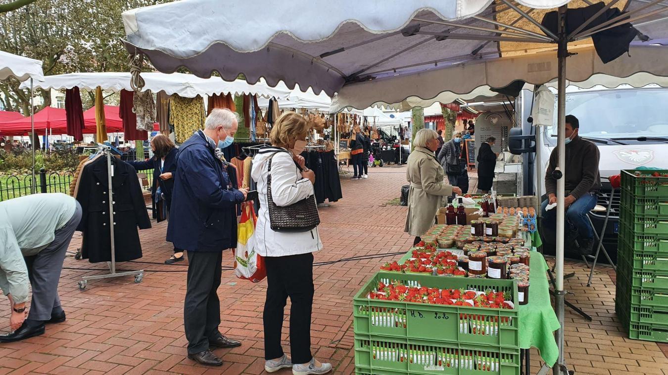 Le port du masque est renforcé et devient obligatoire pour les marchés, les files d'attente, le centre-ville de Dunkerque, les lieux publics clos...
