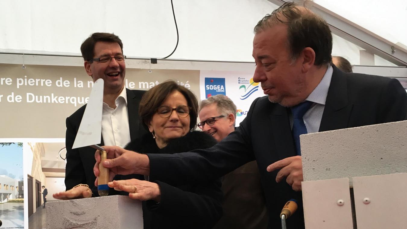 Christian Hutin (au premier plan) va devoir consolider la relation avec Dunkerque et son maire, Patrice Vergriete (arrière-plan).