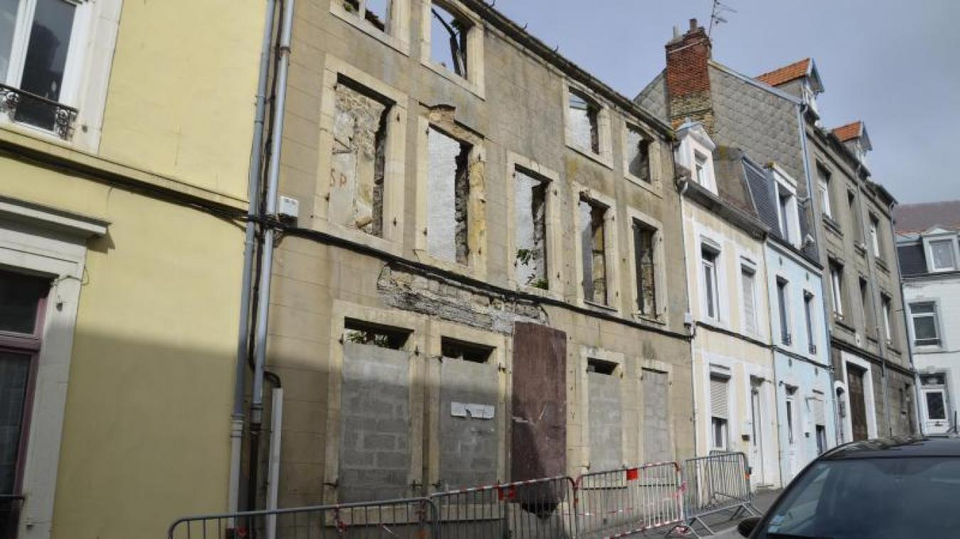 Le bâtiment rue d'Artois inquiète les riverains.