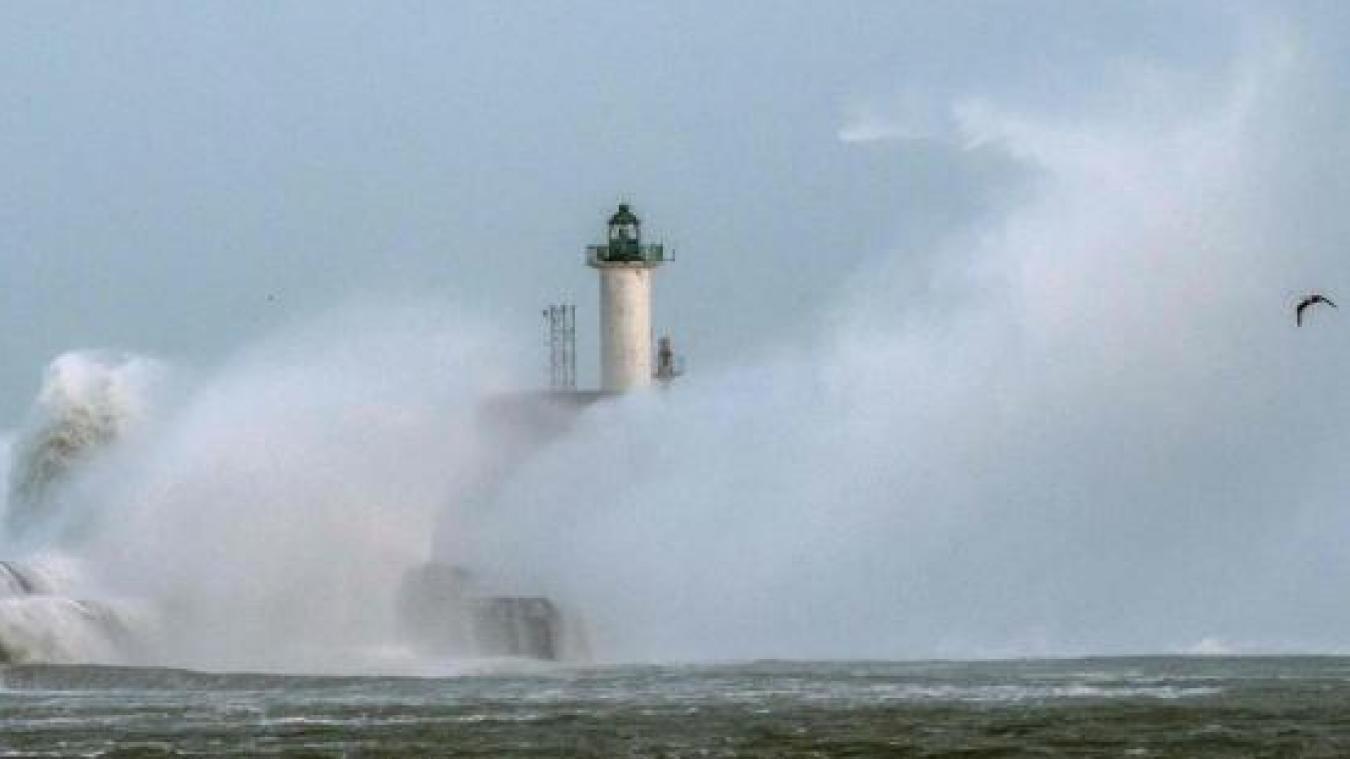 Météo : la tempête Alex approche des côtes