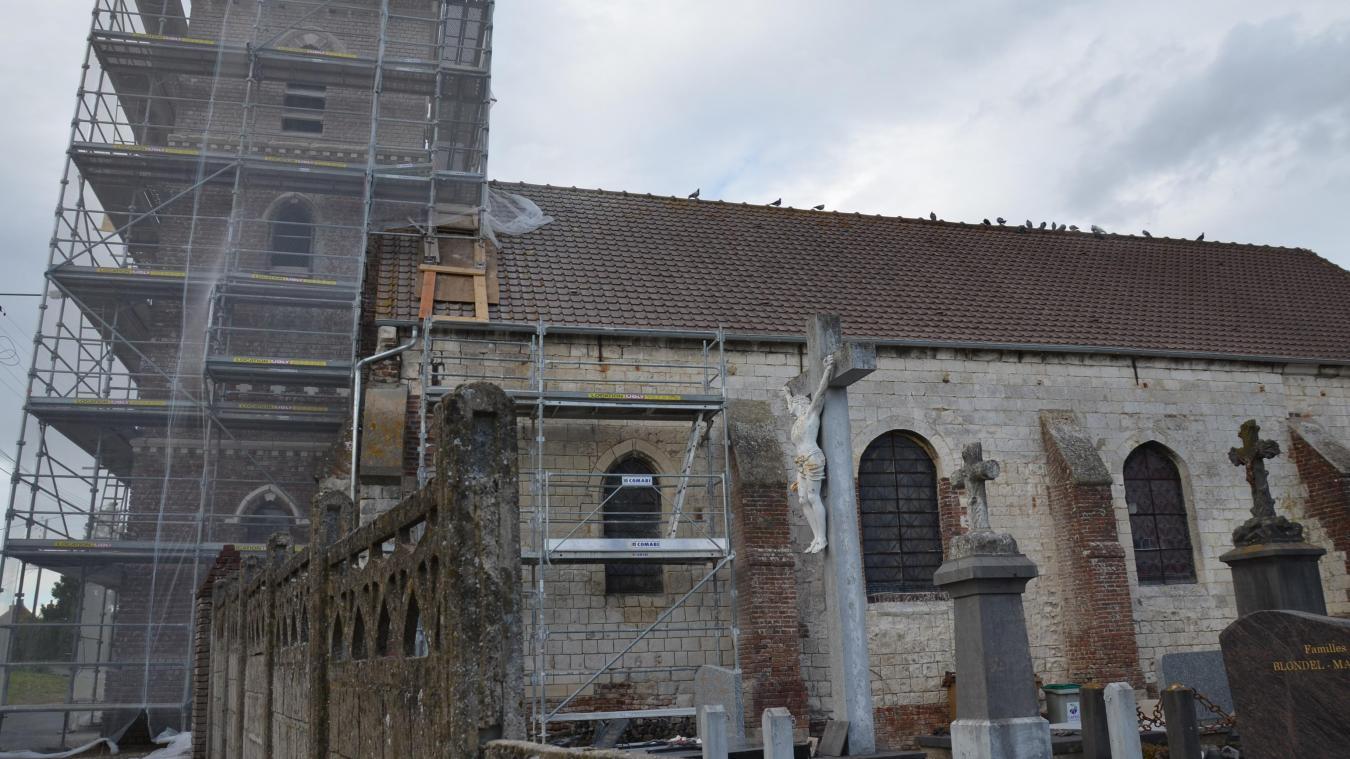 Ici l'église de Marthes, qui va retrouver une nouvelle jeunesse, comme ses consœurs du centre et de Crecques. Une lourde charge pour la commune.