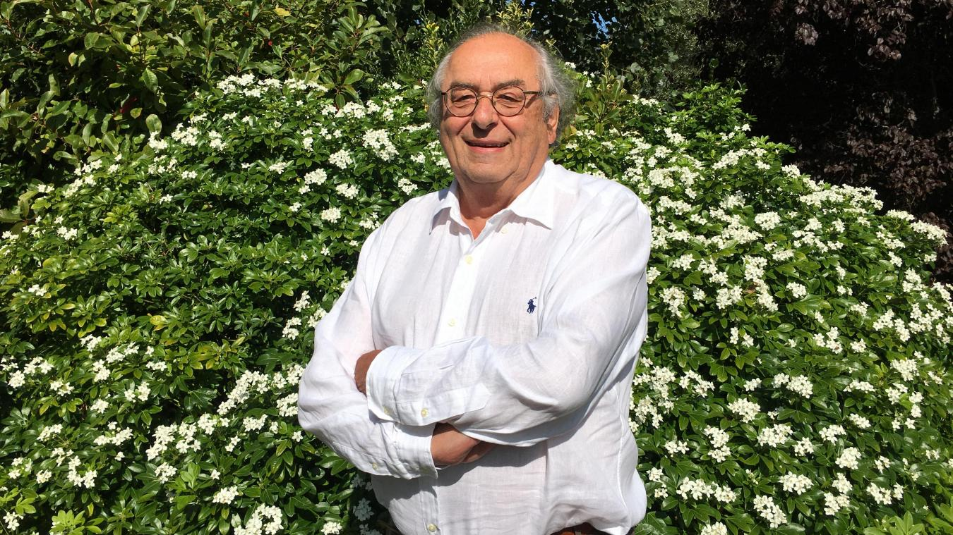 Passionné de football, le docteur Jean-Jacques Rapin a également été durant 10 président du tennis du Touquet et évolué au niveau national au sein d l'équipe de volley du TAC.