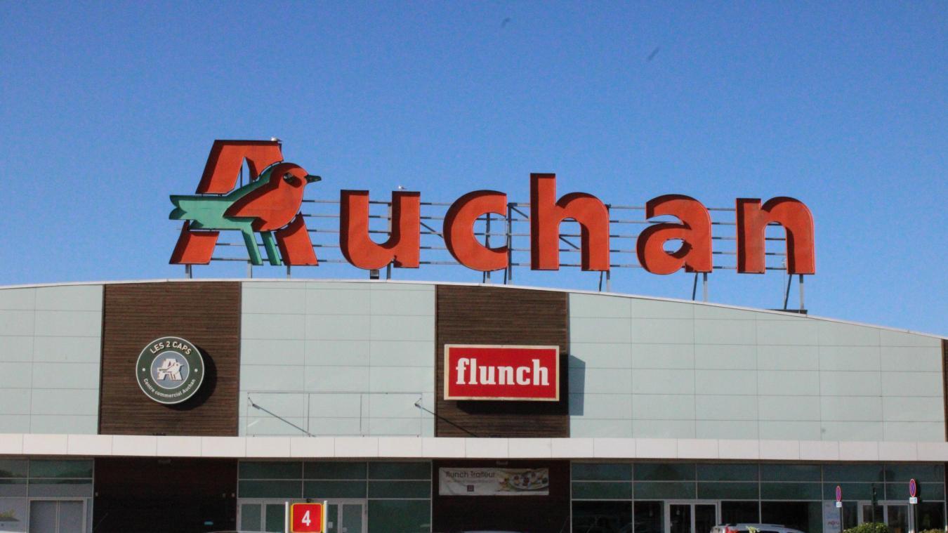 9 suppressions de postes à Auchan Calais
