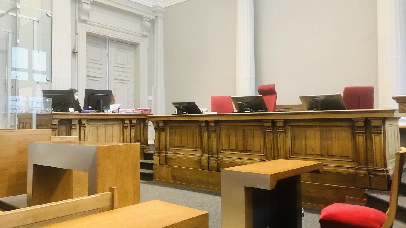 C'est à la barre du tribunal de Boulogne-sur-Mer que le prévenu est comparu.