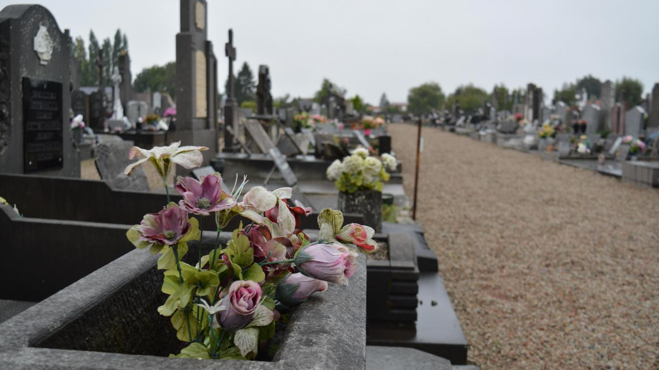 Le cimetière est une des cibles des incivilités, au grand désespoir du maire Jean-Michel Legrand.