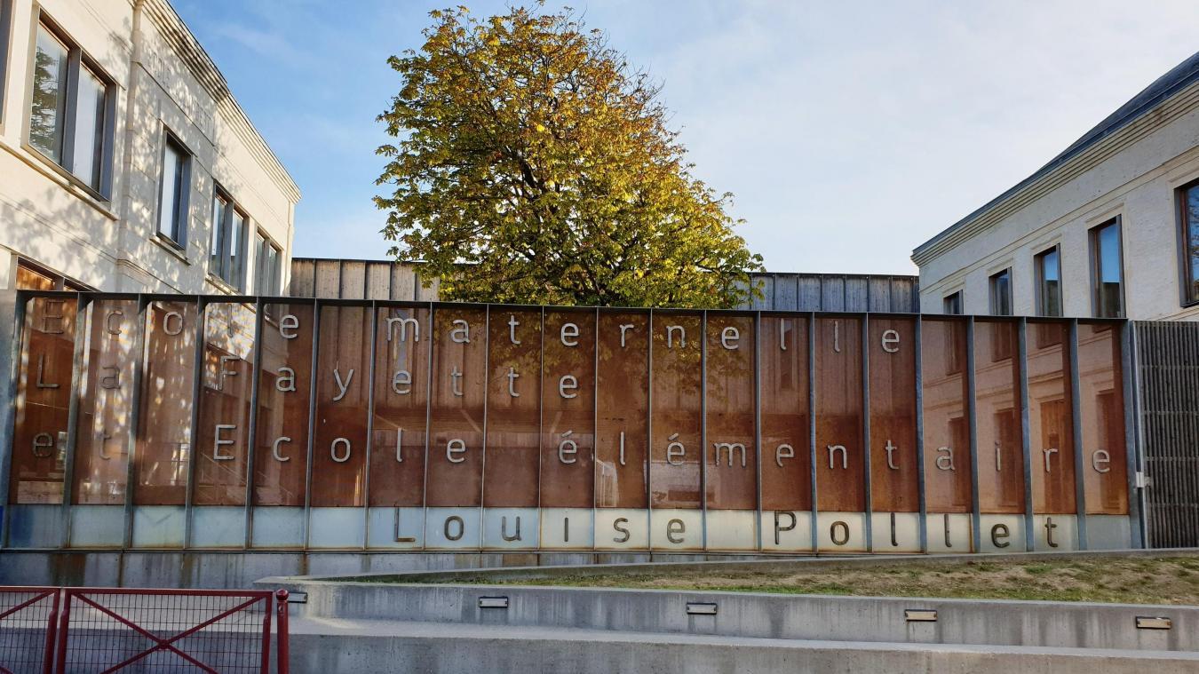 L'école élémentaire Louise Pollet est située rue Verte.