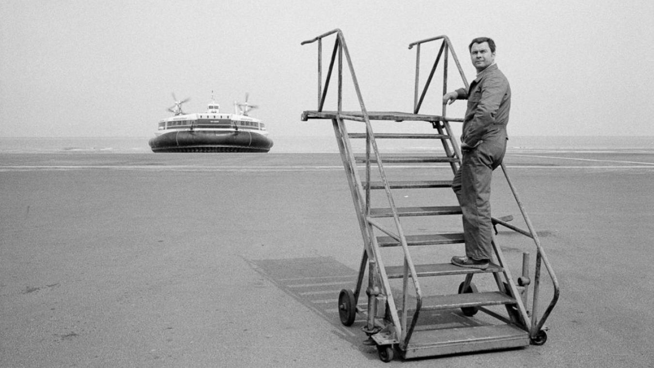 20 ans après, les vestiges des hovercrafts à Calais