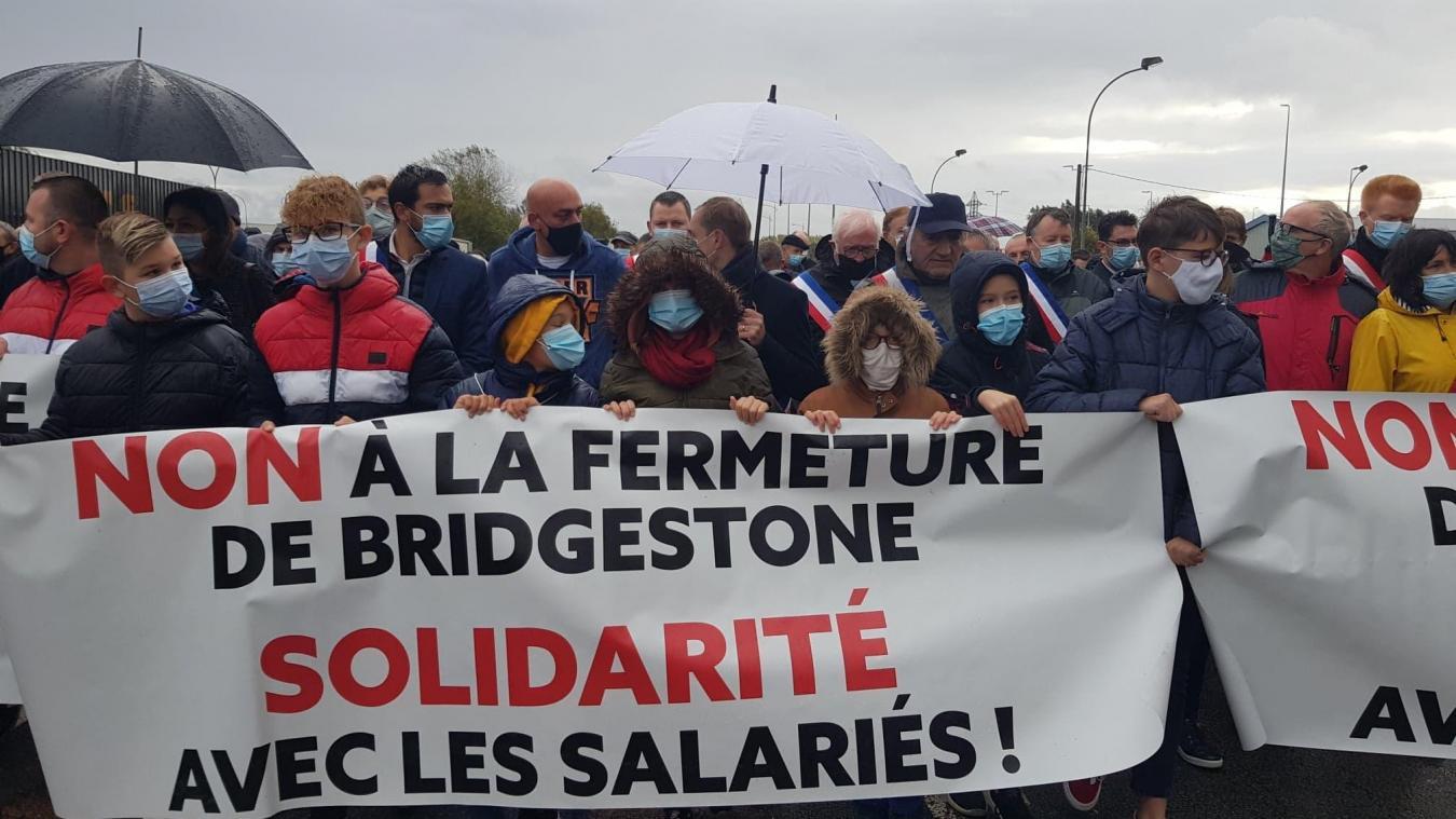 Bridgestone Béthune: au moins 1500 personnes manifestent ( Actualisé)