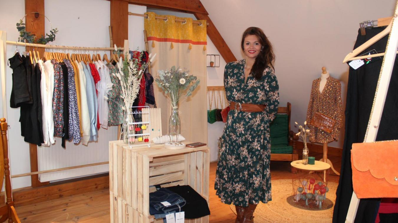 Mathilde Lacroix a ouvert le mois dernier sa boutique de vêtements et accessoires, visitable uniquement en réservant via le site bleuvermeil.com