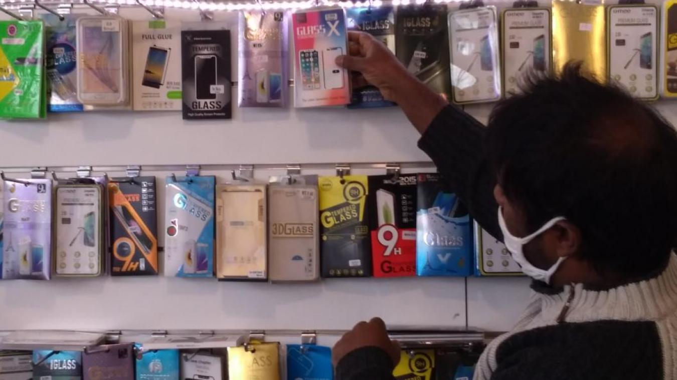 Le gérant mise beaucoup sur l'arrivée des nouveaux iPhones pour relancer son activité en forte baisse, en cette période de crise.