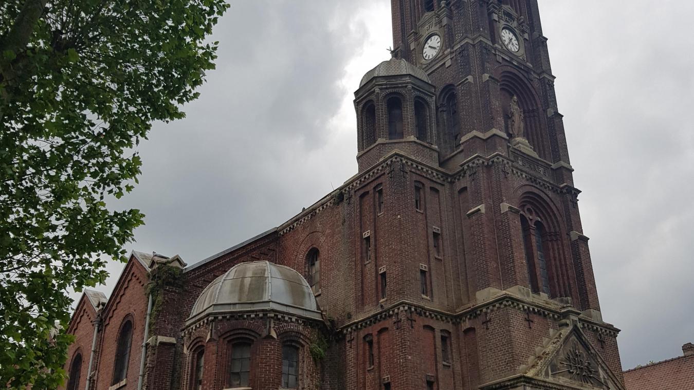 Le chantier débute à l'église Sainte-Barbe de Nœux-les-Mines
