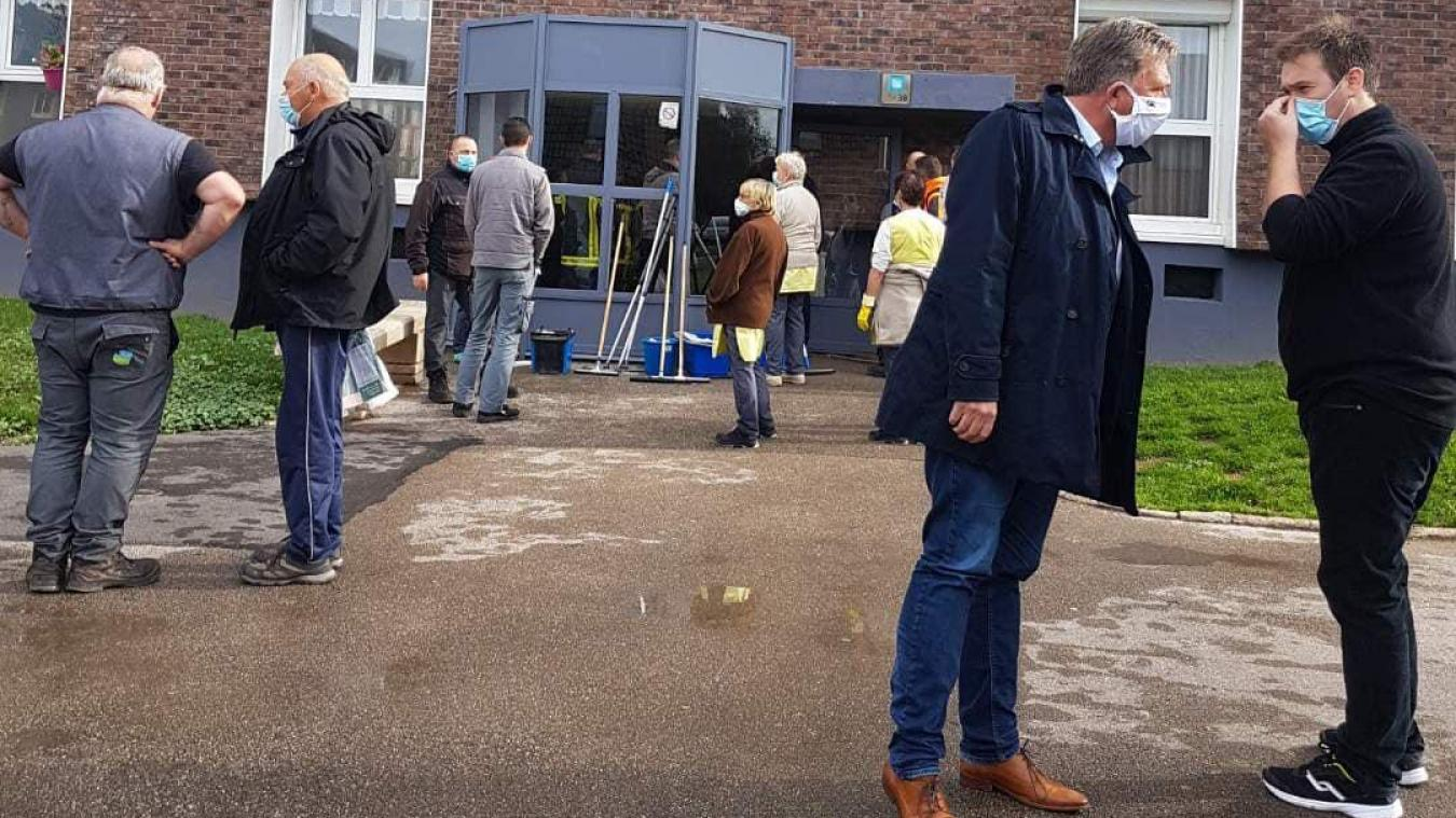 Le maire s'est rendu à la résidence Alphonse Daudet victime d'inondations ce lundi matin, 5 octobre.