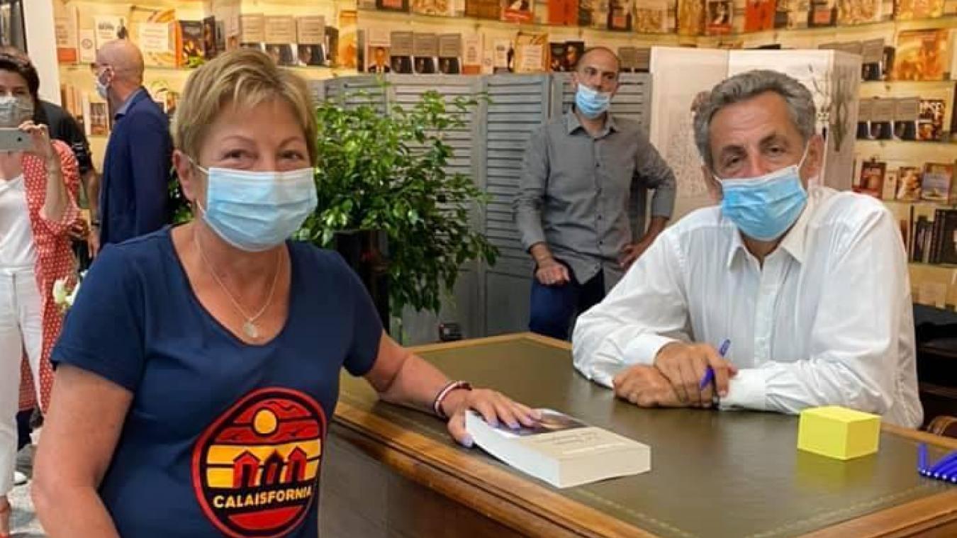 L'été dernier, Natacha Bouchart et Nicolas Sarkozy se sont croisés lors d'une séance de dédicaces de l'ex-président au Leclerc Culture d'Ajaccio.