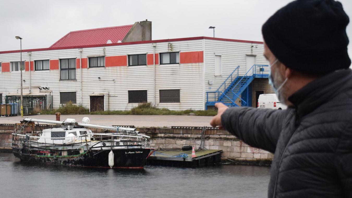 Côté tribord, la Marie-Céline a subi d'importants dégâts qui nécessitent une rénovation qui devient assez urgente maintenant.
