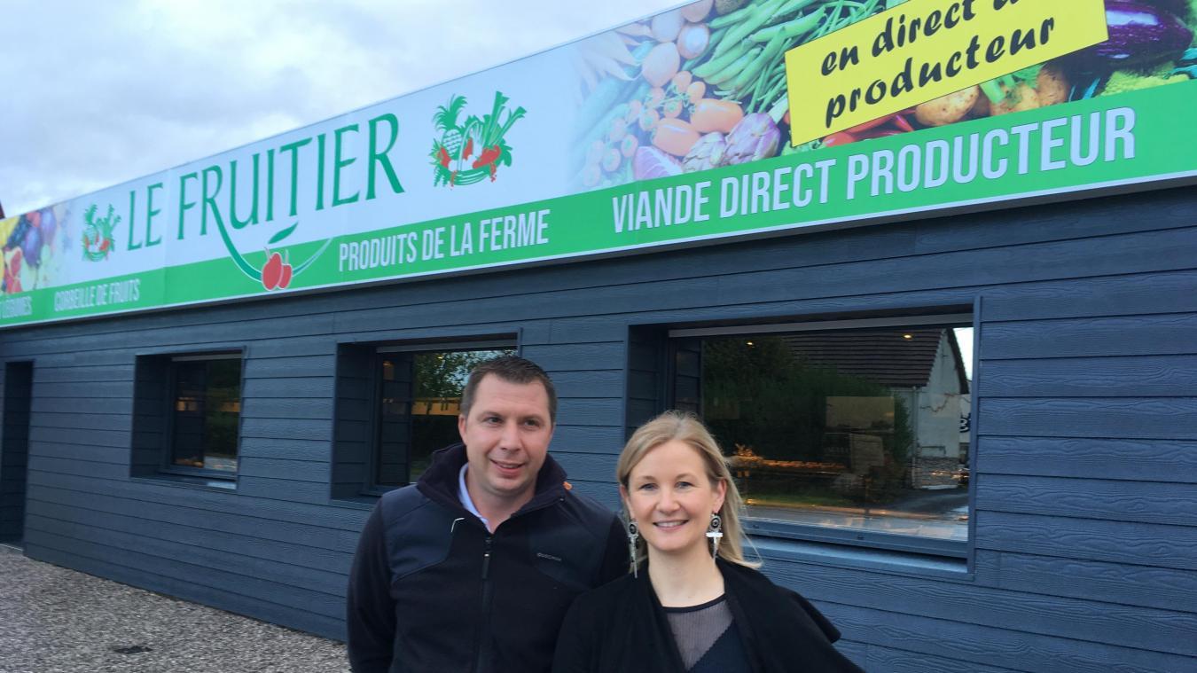 Julien et Adeline Caron, le jour de l'ouverture de la nouvelle boutique.