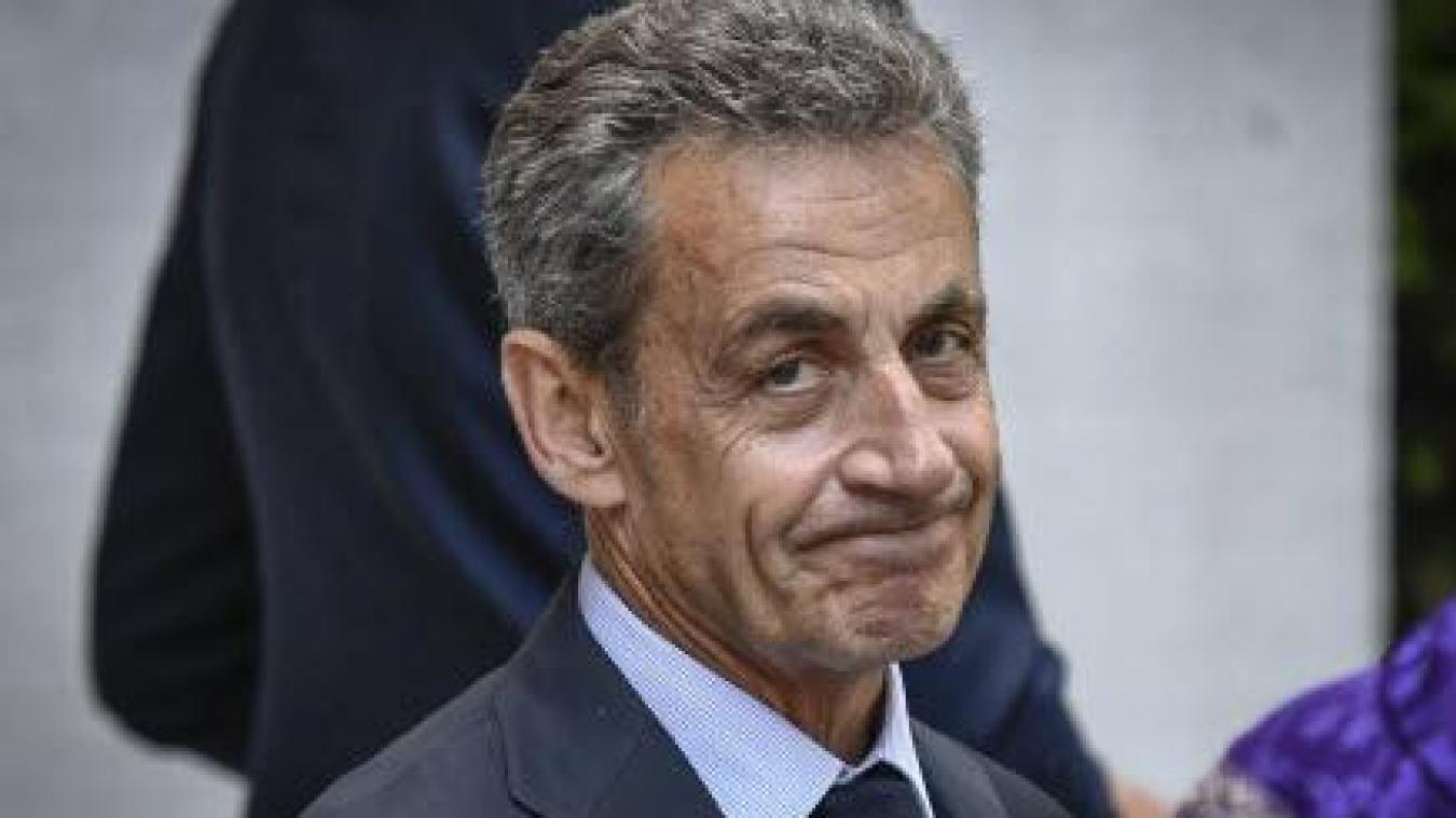 Nicolas Sarkozy reporte sa venue à Calais