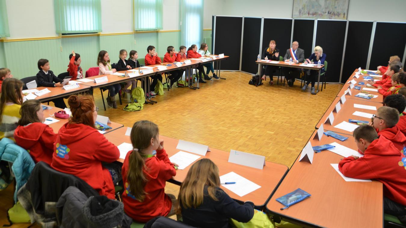Le conseil des jeunes permet de découvrir le fonctionnement d'une commune.  Photo d'illustration