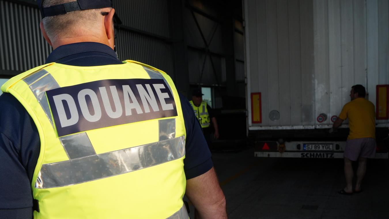 Les douaniers ont procédé au contrôle d'un camion, ce vendredi 9 octobre, à bord duquel ils ont découvert une grande quantité de drogue. Photo d'illustration