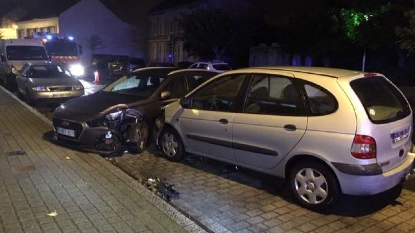 Le conducteur était au volant du Scenic gris lorsqu'il a fait un malaise et a percuté une voiture immatriculée en Belgique.