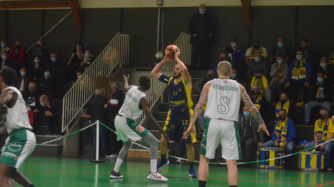 Encore un gros match du capitaine Thomas Séguéla qui marque 18 points à Longueau.