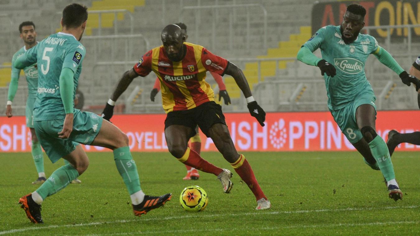 Rennes Lens Avec Fofana Doucoure Sur Le Banc