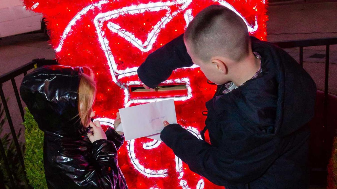 Les enfants, écrivez au père Noël !