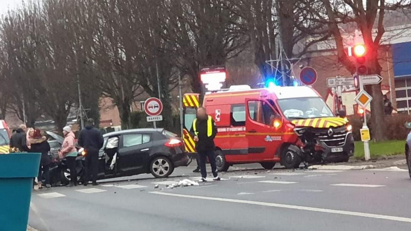 L'accident a eu lieu à hauteur du carrefour entre la rue Porte-Guise et l'avenue de la Libération.
