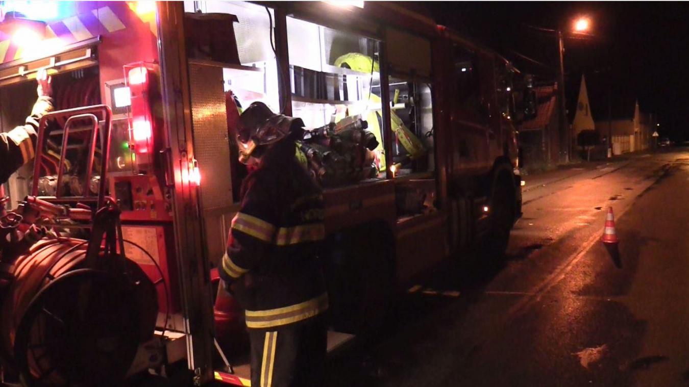 Les pompiers d'Armentières sont intervenus rue de Gand à Nieppe dimanche 13 décembre.