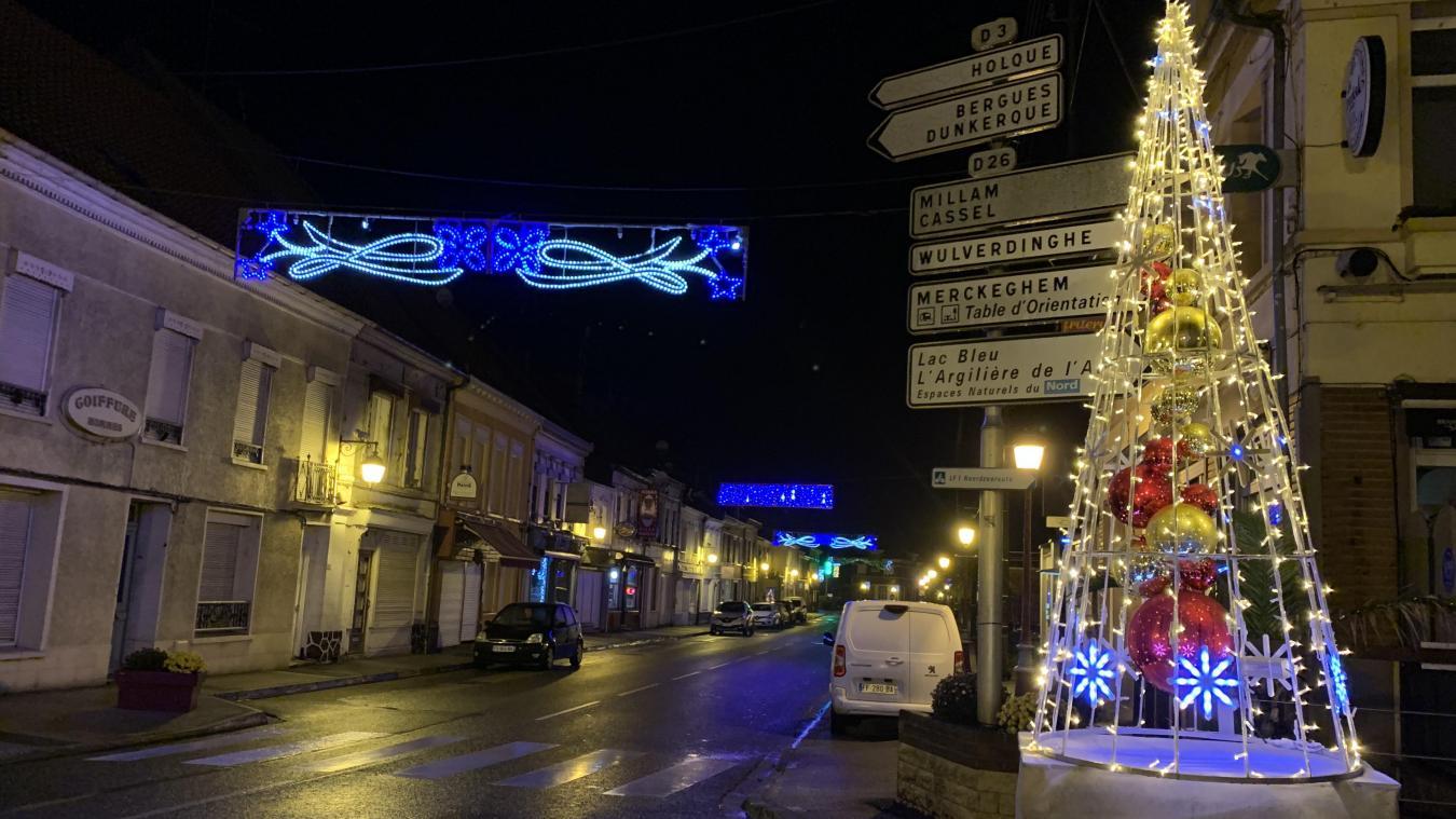 Les rues du centre de Watten sont plus illuminées «car les commerçants souffrent».