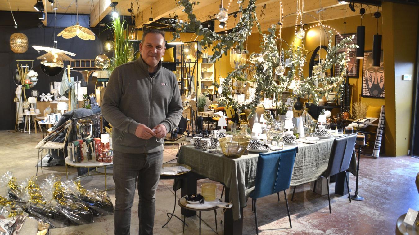 Vincent Caron a donné naissance à sa boutique de la Vigne au Verre à Wimereux, avec son épouse Nelly. Il importe son concept hybride, caviste et vente de mobilier, à Calais. Il s'installera au printemps dans les anciens locaux de la Sole Meunière.