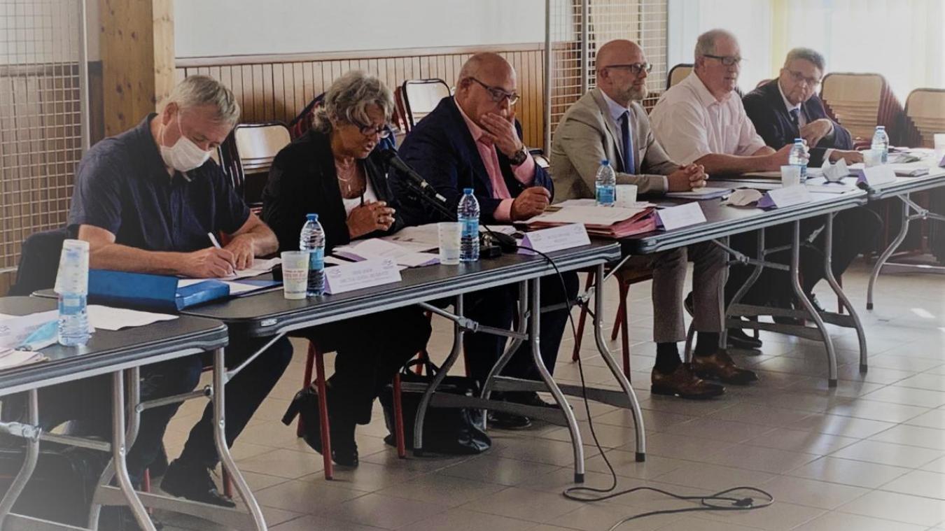Conseils municipaux: les villes du Calaisis avancent leurs horaires