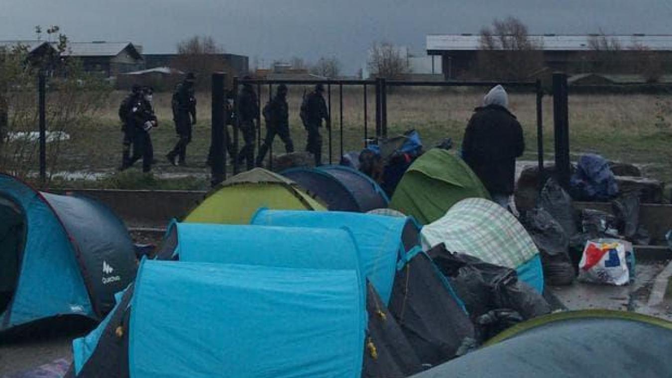 Les gendarmes et policiers ont expulsé quatre campements, dimanche 6 décembre.