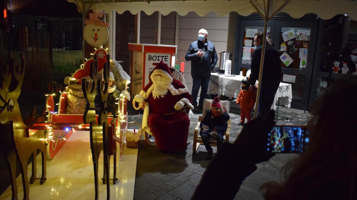 La magie de Noël a fait briller les yeux des enfants à Uxem.