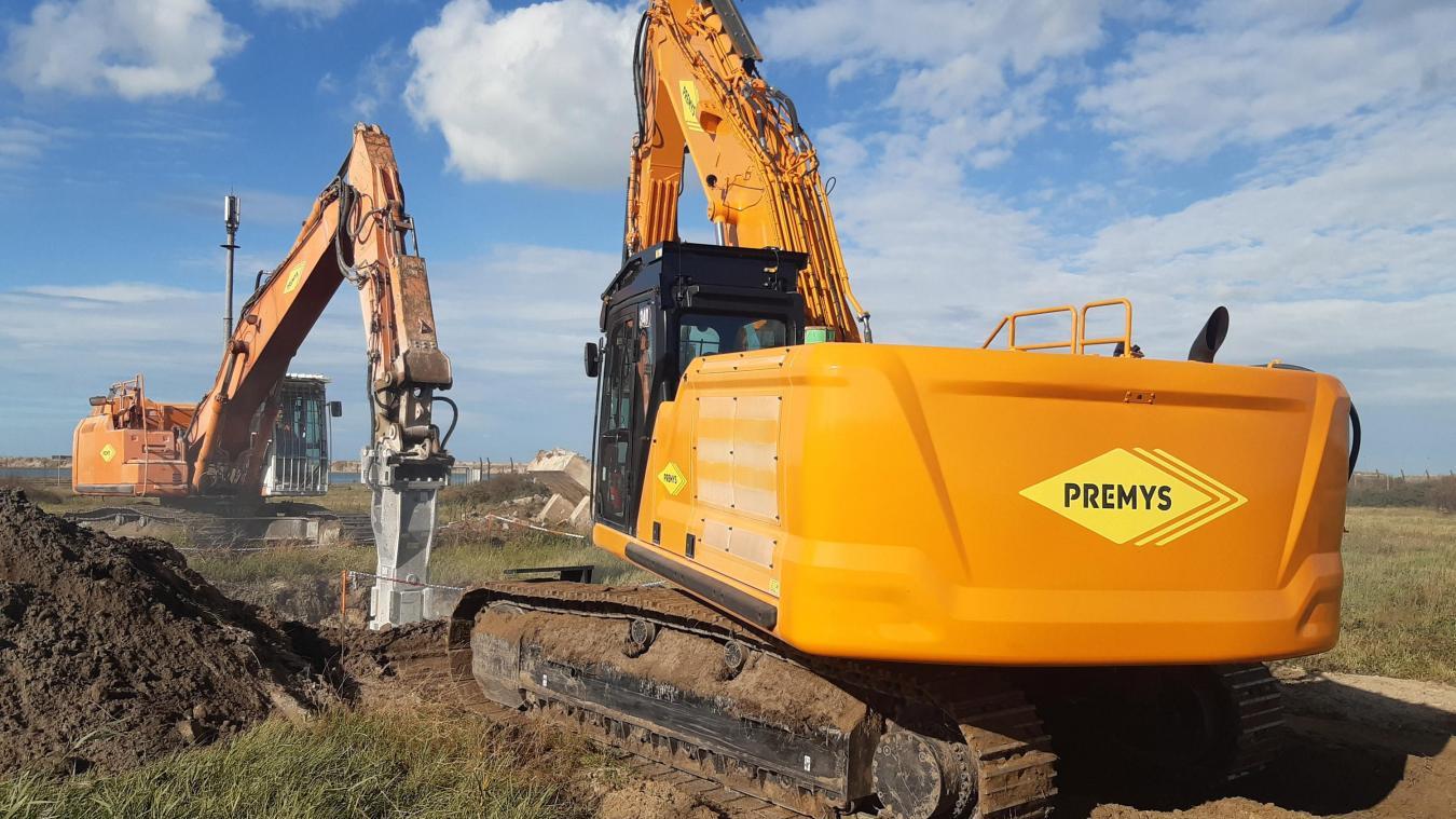 Les travaux se poursuivent sur le site, entre l'extraction de la pollution des sols et la déconstruction des infrastructures en béton.