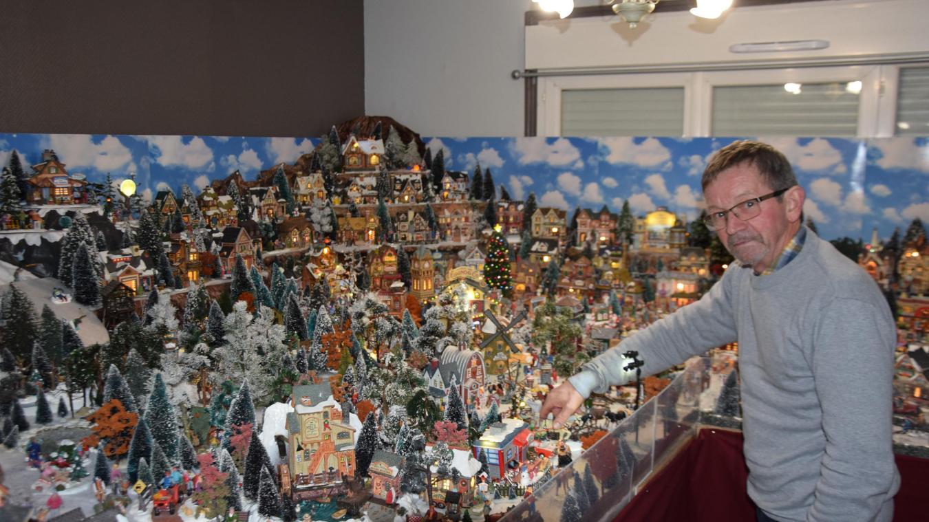 Jean-Michel Lebran est un réel passionné de son village de Noël, qui tient sur (seulement) 15m².