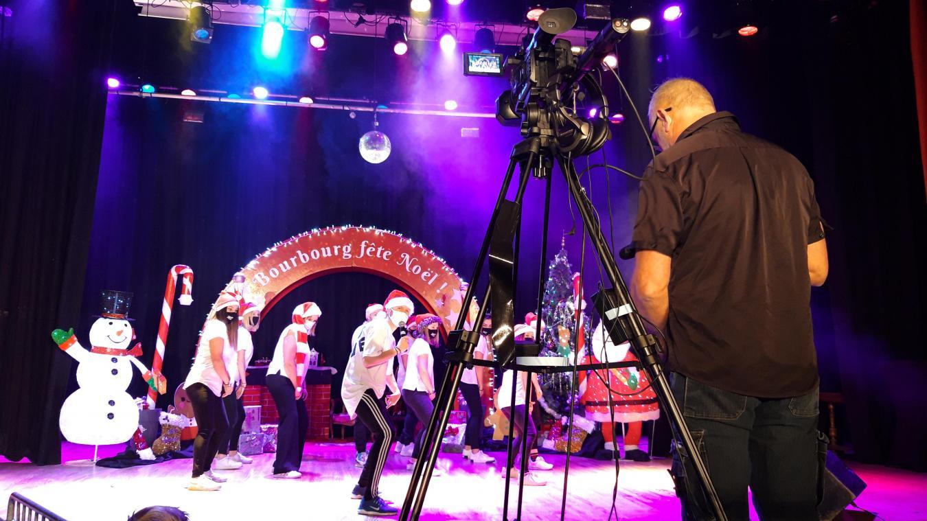 Un planning est mis en place pour que les scènes de l'émission se suivent.