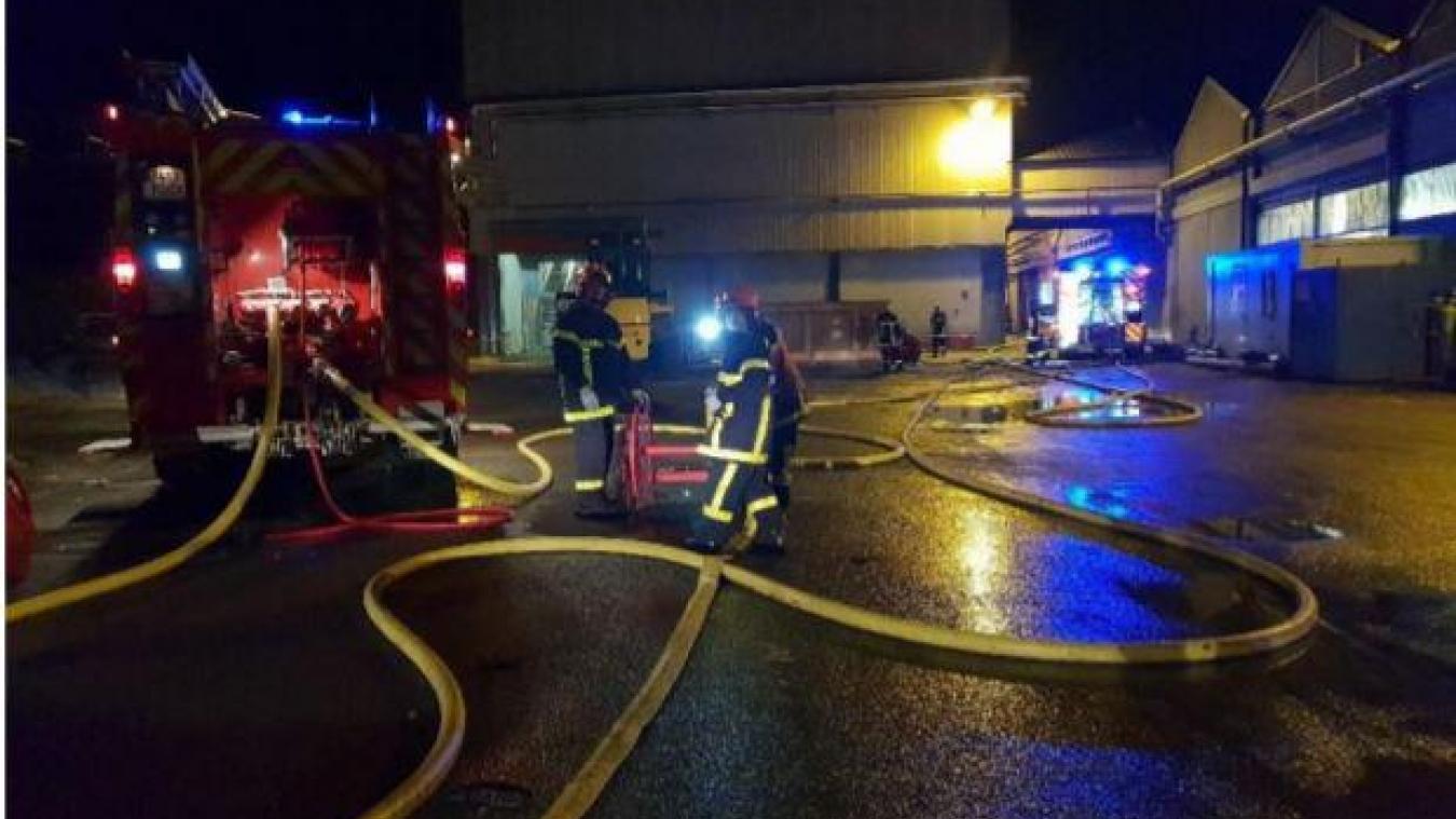 Le feu ne s'est pas propagé aux bâtiments.