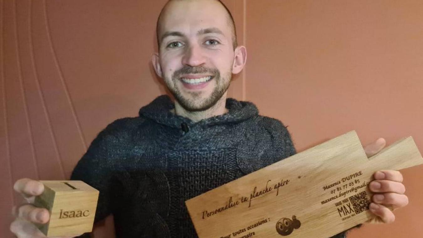 Maxence Dupire propose des planches en bois personnalisables.