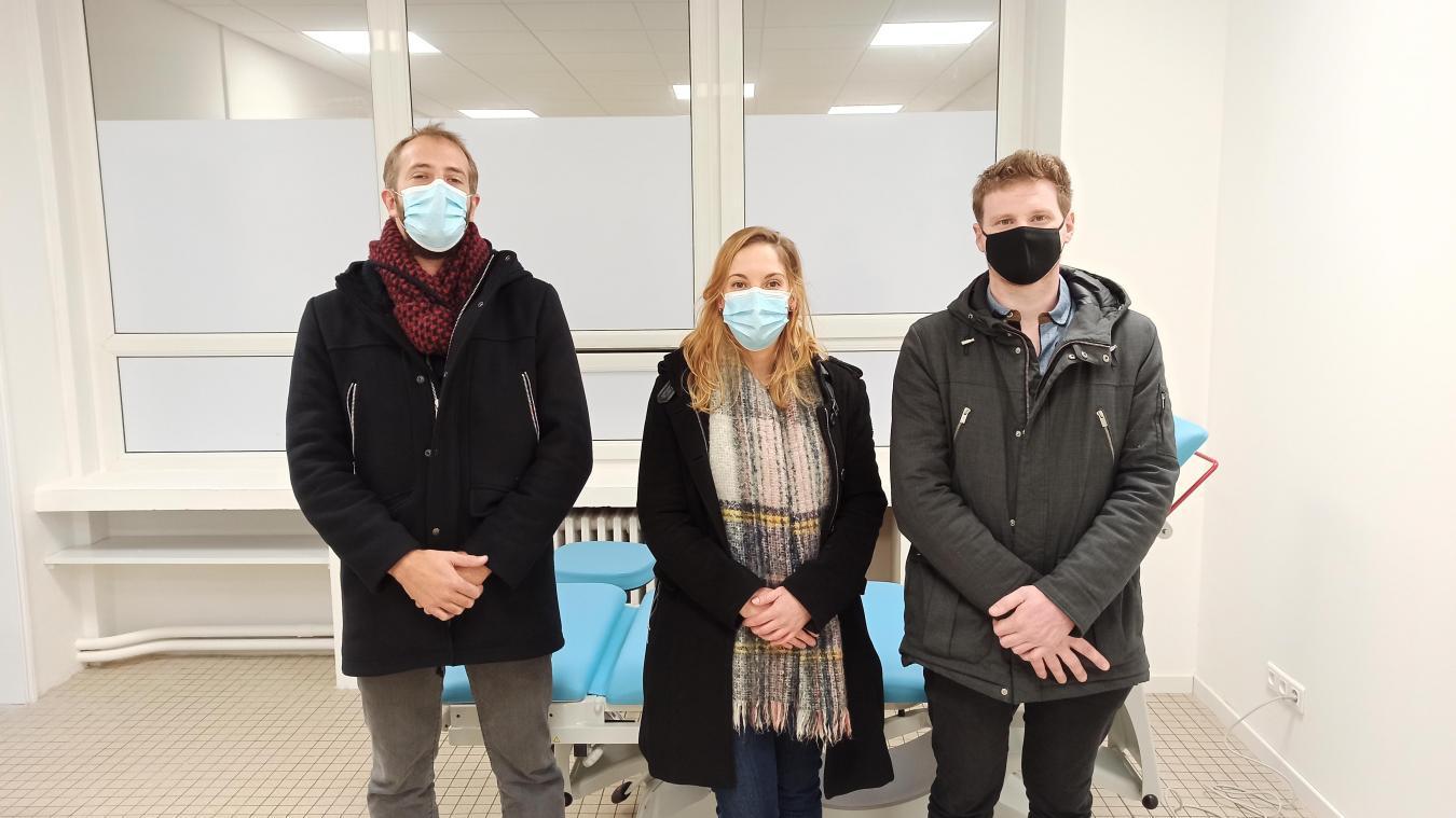 Les docteurs Cornolle, Planque et Bobillier présents à l'ouverture au public du 11 décembre, le docteur Hersin étant absente pour raison professionnelle.