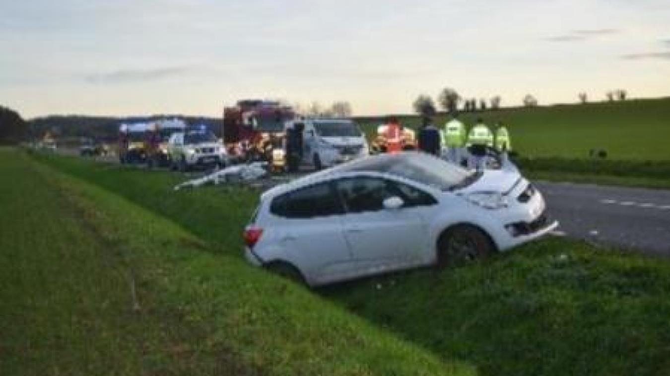 Mont-Saint-Éloi: les pompiers désincarcèrent un automobiliste sur la chaussée Brunehaut