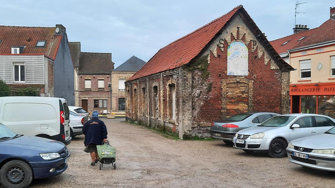 L'ancien cinéma de Watten retrouvera une activité en étant transformé en salle polyvalente.