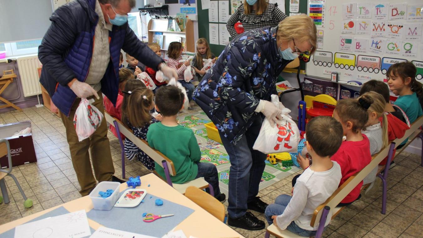La distribution s'est effectuée directement dans les salles de classe.