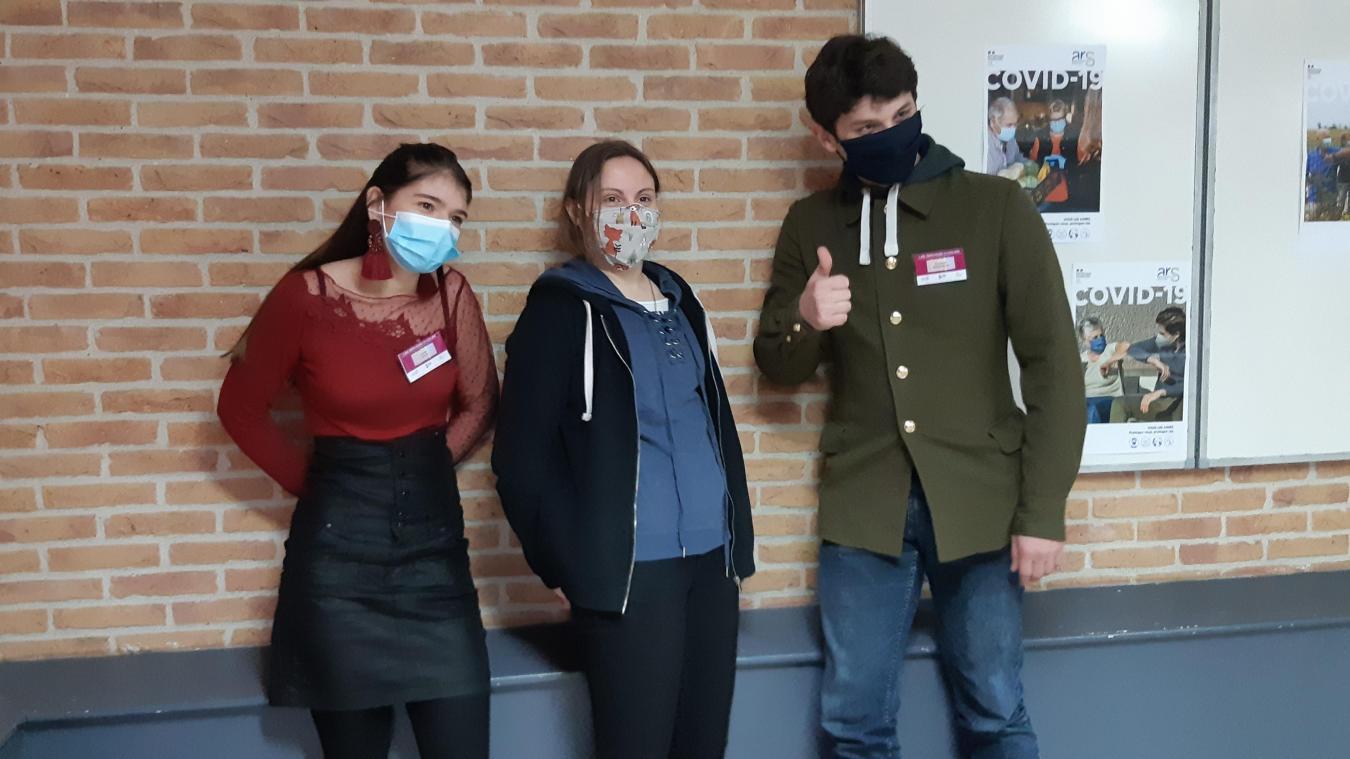 Océane, Lucie et Armand sont trois des cinq jeunes recrutés.